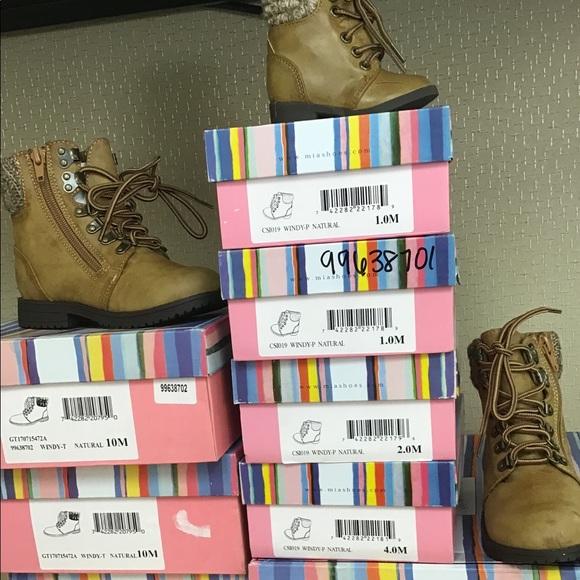 MIA Shoes - Mia Boots for infants diferentes sizes